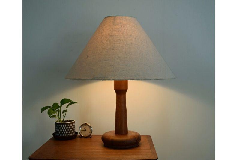 画像1: チークのテーブルランプ