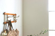 画像5: KLADHANGARE DEKORATIV 木と真鍮のコートハンガー (5)