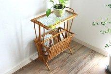 画像4: 籐のマガジンラック付きテーブル (4)