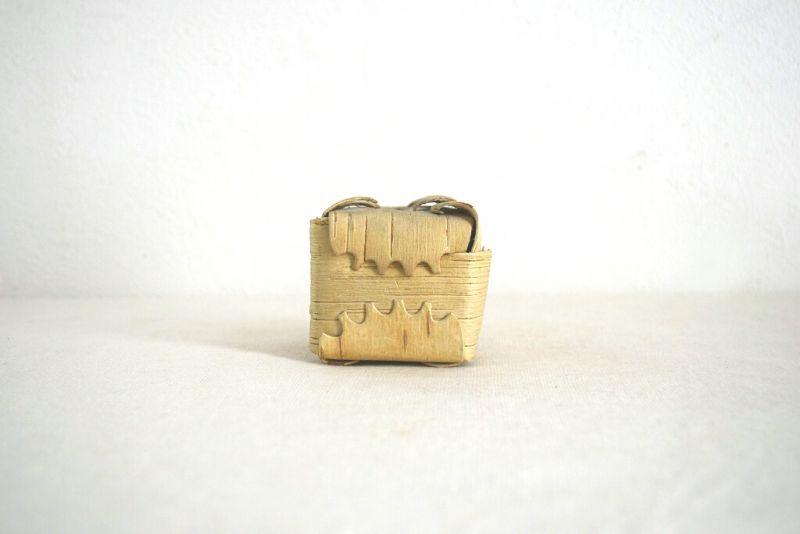 画像1: スウェーデンの白樺の貯金箱 (1)