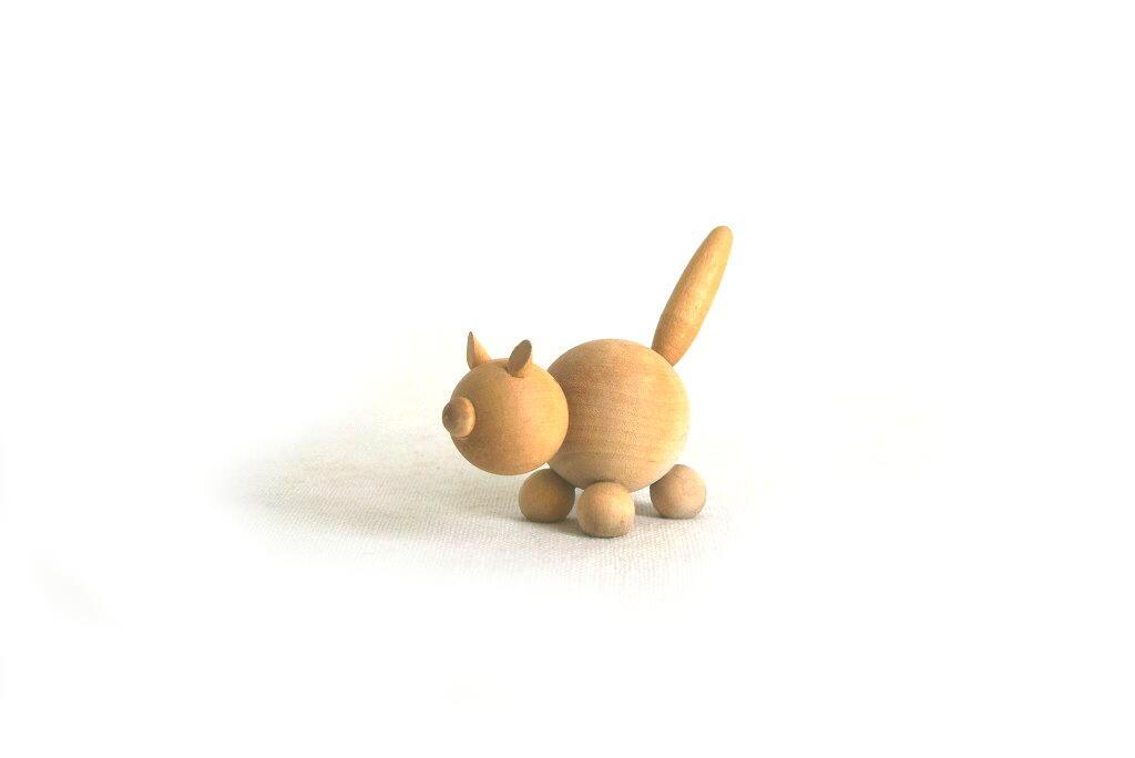 画像1: 木製のネコのフィギュア (1)