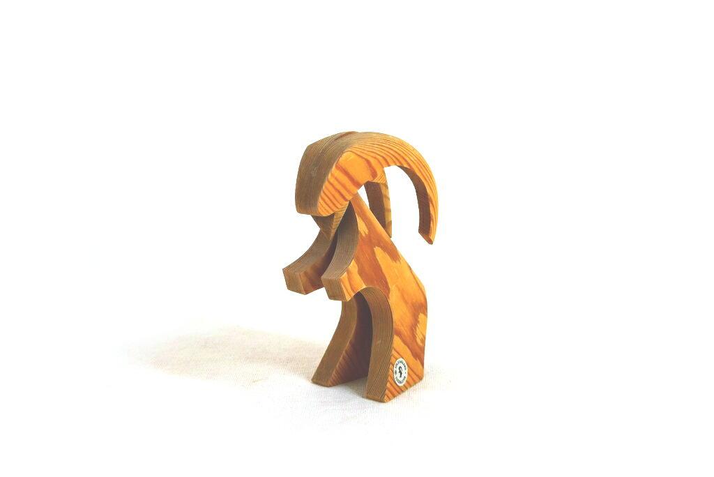 画像1: 木のヤギの置物 (1)