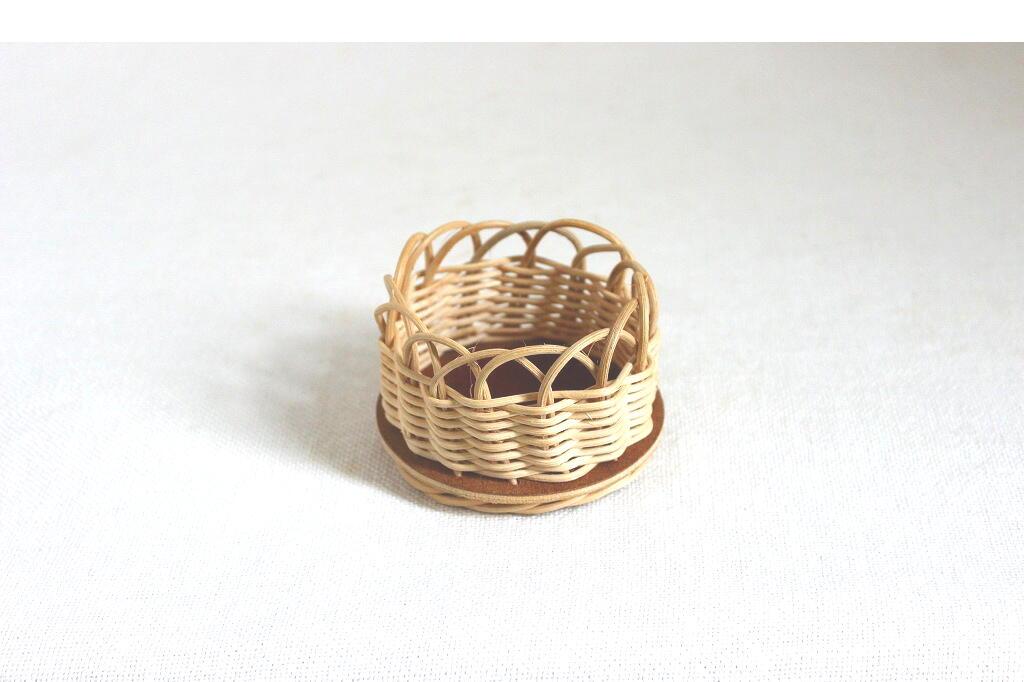 画像1: 【在庫5/残り3】スウェーデンのチークと籐の小さなトレイ (1)