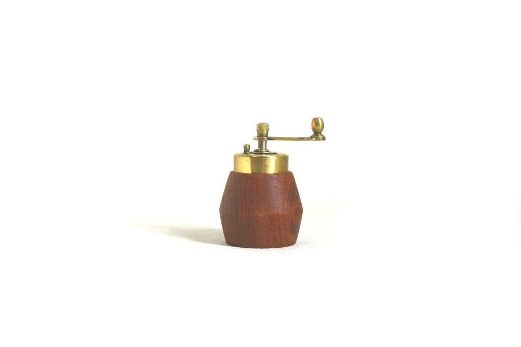 画像1: チークの真鍮のグラインダー (1)